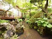 *庭園/四季の移ろいが美しい庭園。心穏やかな気持ちに導いてくれます。