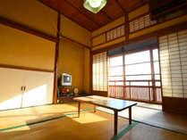 *【和室4.5帖】お二人様までご利用頂けます。趣深いお部屋でのんびりお過ごし下さい。