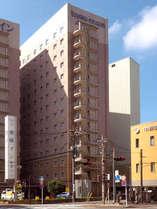 高崎駅西口より徒歩3分の好立地。ビジネスや観光の拠点として最適です。朝食無料サービス♪