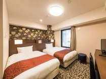【ツインルーム】全室シモンズ製ベッドを使用!約19平米のお部屋はワイドタイプ♪