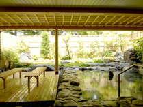 本館 日本で最も歴史のある有馬の湯(銀泉)を四季折々の自然と共に、ご堪能ください