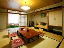 やすらぎの湯 宝泉 和室:12畳 長良川に面したお部屋