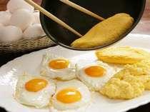 ブッフェスタイルの朝食はボリューム満点