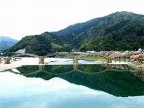 日本三名橋のひとつ「錦帯橋」 (きんたいきょう)