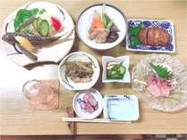 ☆夕食一例です☆飛び魚のから揚げ人気です!