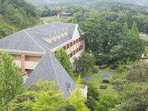 緑の中のホテル丹後王国