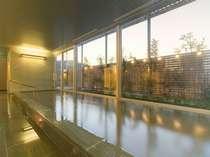 最上階にある天然温泉大浴場「びざんの湯」
