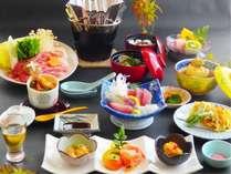 四季折々の旬の恵みを詰め合わせた「白浜膳」(夕食人数が20名以上の場合はバイキング形式となります)