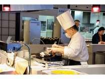 朝食1番人気 調理人が目の前で出し巻き玉子を♪