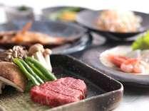 夕食の一例。絶品飛騨牛ステーキをはじめとしたコース料理です