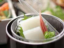 【朝夕部屋食】<夏が旬!絶品白いか満喫!>&鳥取和牛オレイン55+焼き蟹を堪能~堪能プラン~