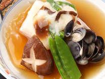 【夕広間食】茹でズワイ蟹半身+<鳥取和牛オレイン55&白イカ>日本海創作会席で美食満喫!
