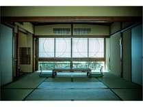 和室20畳バス・トイレ付(時間の移ろいで雰囲気が変わるお庭に面した和室スイートルーム)(その1)