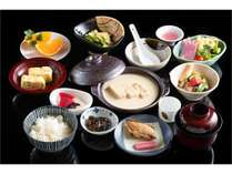 朝食の湯葉鍋は最後ににがりを入れて、おぼろ豆腐にしてお召し上がりください。