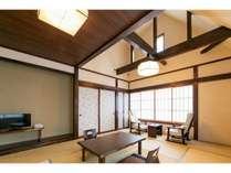 2017年リニューアルゆうすげの間(10畳)吹き抜けの気持ちのよい和室です。