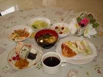 東横自慢の朝食