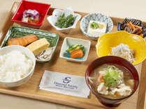 料理長特製けんちん汁を提供する「和食」
