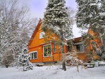*4~6名用Iタイプ_外観(冬)/ハイグレードな平屋一戸建て・庭付き(2LDK+ベランダ)77平米