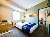 コネクティングルーム スタンダードダブルルームが2室、お部屋の中で繋がっている楽しいお部屋です。