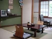 2階客室(6畳)お部屋の一例
