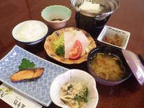 【朝食一例】清々しい朝の空気の中で、美味しいお食事を食べればスッキリお目覚め♪