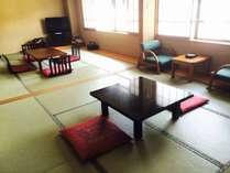 【和室/12畳】二間続きのお部屋となります。