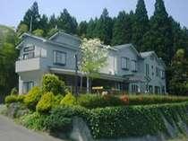 高台に建つ綺麗で快適な宿でございます。