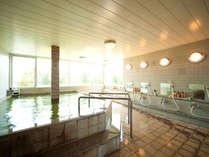【女性大浴場】内湯は露天風呂より少し(1℃)熱めに設定しています