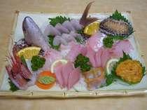 訳あり部屋ワンドリンク付!こだわりの金目鯛の煮つけ(お刺身大盛りあわび刺身付き7種類7点盛り)部屋食