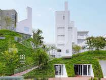 【白井屋ホテル】最も注目されている建築家のひとり、藤本壮介が設計。五感が刺激され、感性がめぶく体験を