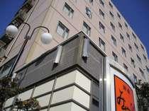 総客室数は142室。禁煙フロアは5・6・7・8階に設けております。