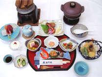 *お夕食一例。秋田の郷土料理をお部屋出し致します!