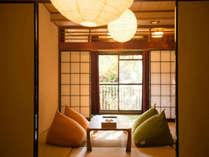 【和室/10畳+4畳】ゆったりタイプの和室は最大6名様までご利用可能です。