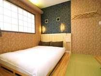 和室専用の低床ベッドを採用。極厚のマットレスを使用しております。