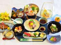 *【夕食(イメージ)】地元の食材を中心に、一品一品丁寧にご用意した季節の和会席。