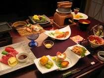 料理は会席コース料理。写真は一例です。季節によって変わります。