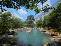 【瀧の杜湯】空の湯のメイン ひろーい瀧の杜湯