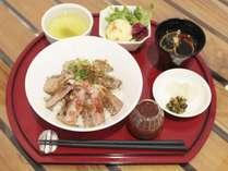 ステーキ丼御膳(小鉢は仕入状況により異なります)