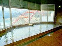 *100%の天然温泉です。絶景を眺めを、ご堪能ください。
