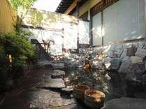 自家源泉、「奈良屋の湯」たっぷりと注がれるかけ流しの湯をお楽しみください。