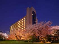 ■■桜の時期のザ・プリンス さくらタワー東京 外観