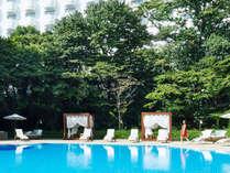 緑豊かなダイヤモンドプールで夏のリゾート気分を満喫