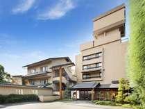 純和風造りの旅館です。(地上5階・地下1階)