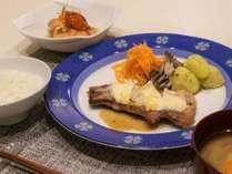 夕食の一例 ■スタンダードプランの夕食例となります