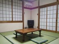 【和室客室一例】Wi-Fi対応可。畳の落ち着いた空間をお楽しみください。