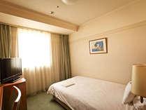 シングル1は、16.7㎡とゆったりなお部屋♪バスルームも足が延ばせゆったりできます。