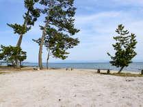 *【施設一例】琵琶湖を眺めながらベンチでのんびり♪
