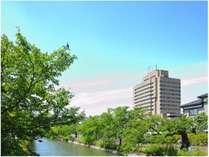 ホテル外観(長岡駅と反対側からの様子)