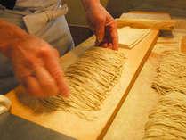 *コシが強く、香り豊かな本格手打ち蕎麦をご堪能下さい。
