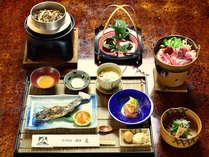 *夕食一例/当館自慢のお食事!地元の旬の恵みが詰まっております